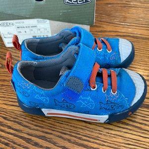 Keen- toddler sneaker size 8